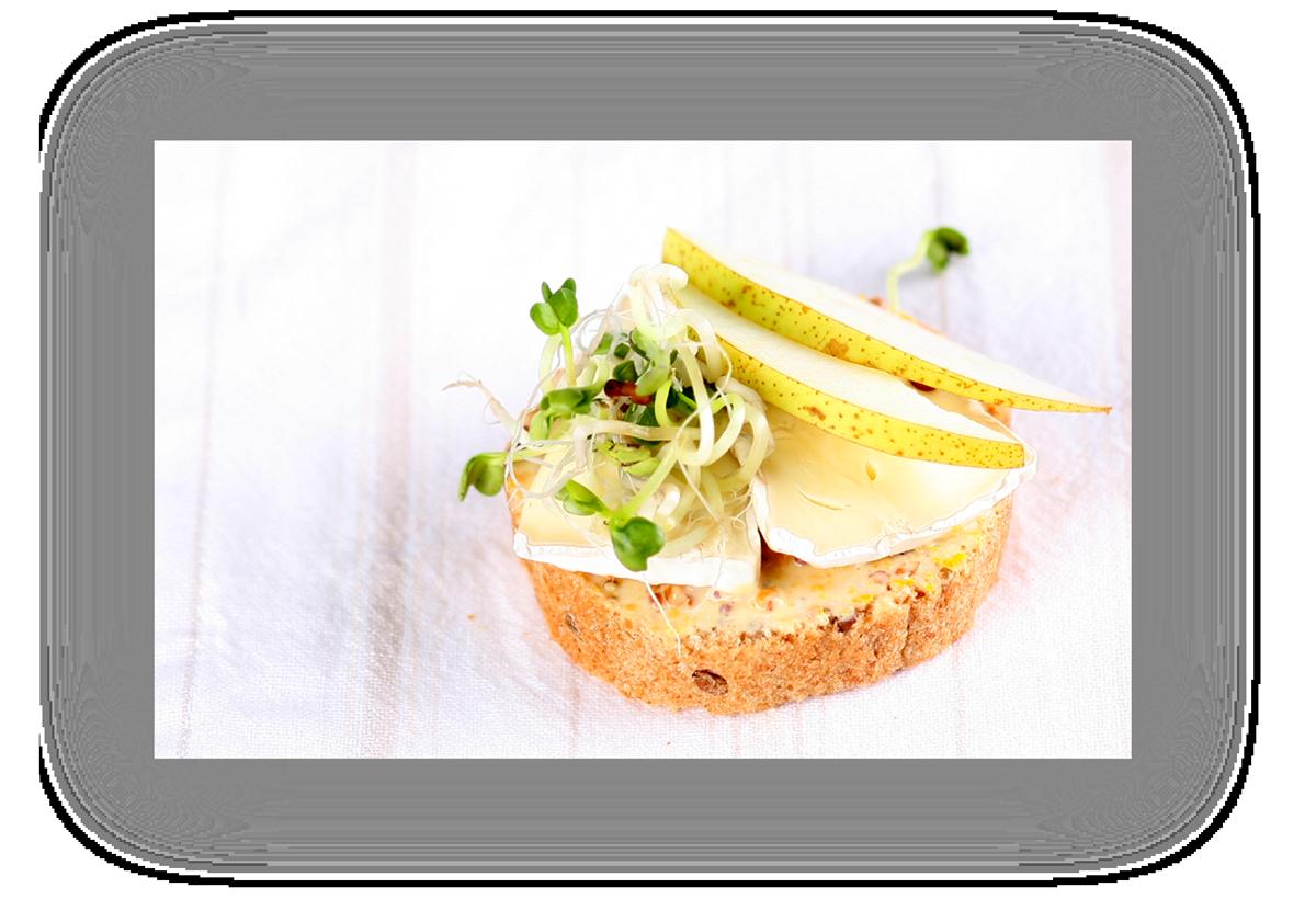 Canape:  Birne Brie mit Sprossen Kreation
