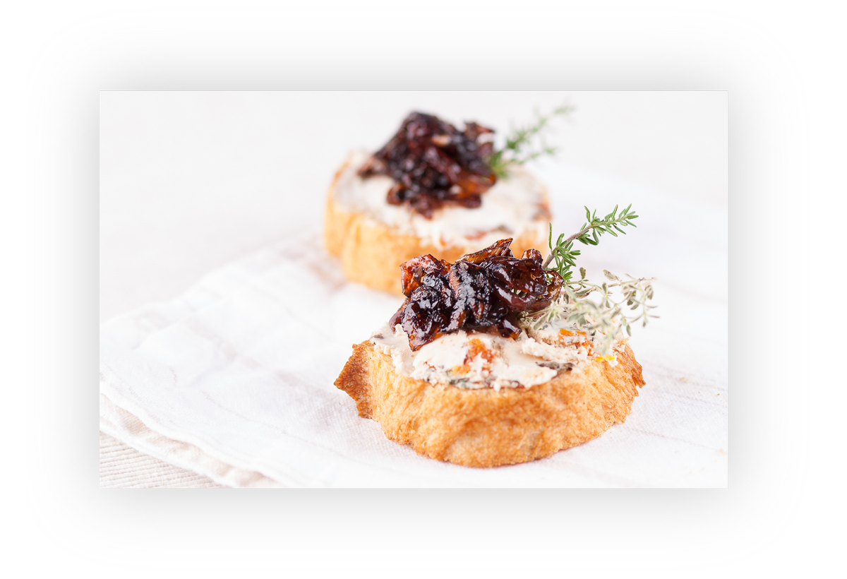 Fingerfood Catering: Ziegenfrischkäse mit Zwiebelconvit